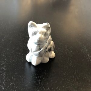 Other - Howlite carved cat